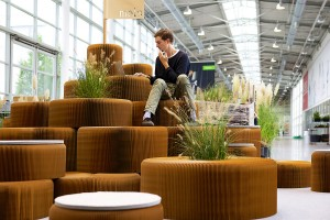 molo_softseating_paper_stools_06a